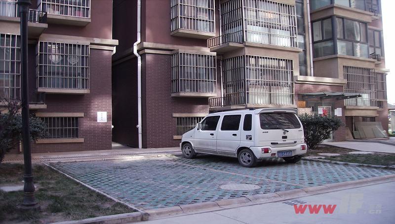 东唐·江南苑小区地上停车位