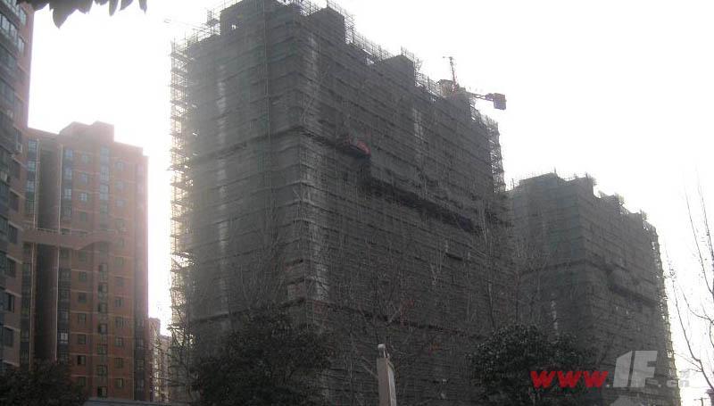 三禾城中城在建最后两栋楼已经封顶