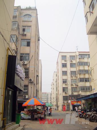 中华新村小区内整体