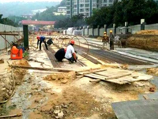 立交北段工程基础施工月底完成