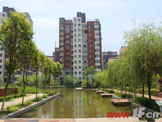 嘉泰城市花园小区实景