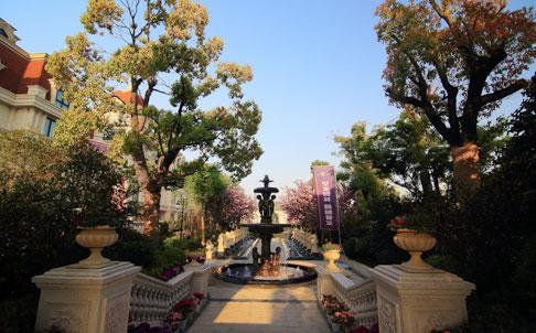 8月15日至9月25日,孔望尚府老带新同享好礼。