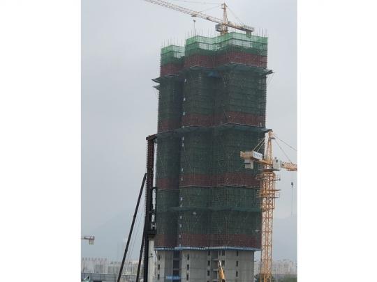 5#楼二十四层顶板浇筑混凝土