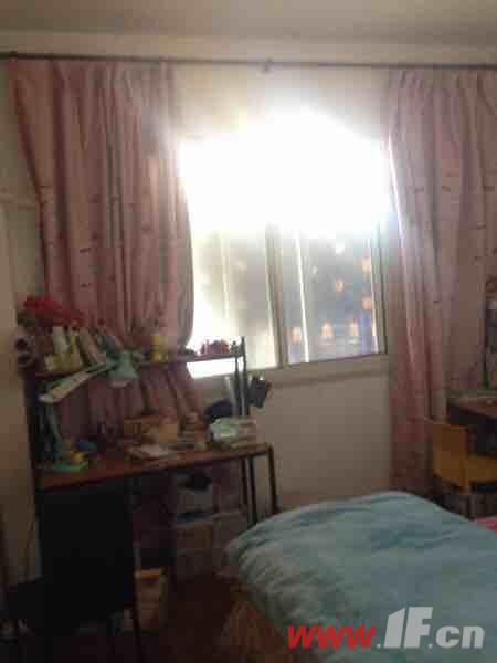 ,该房源位于香溢世纪花城,独家香溢世纪花城 户型方正 苍