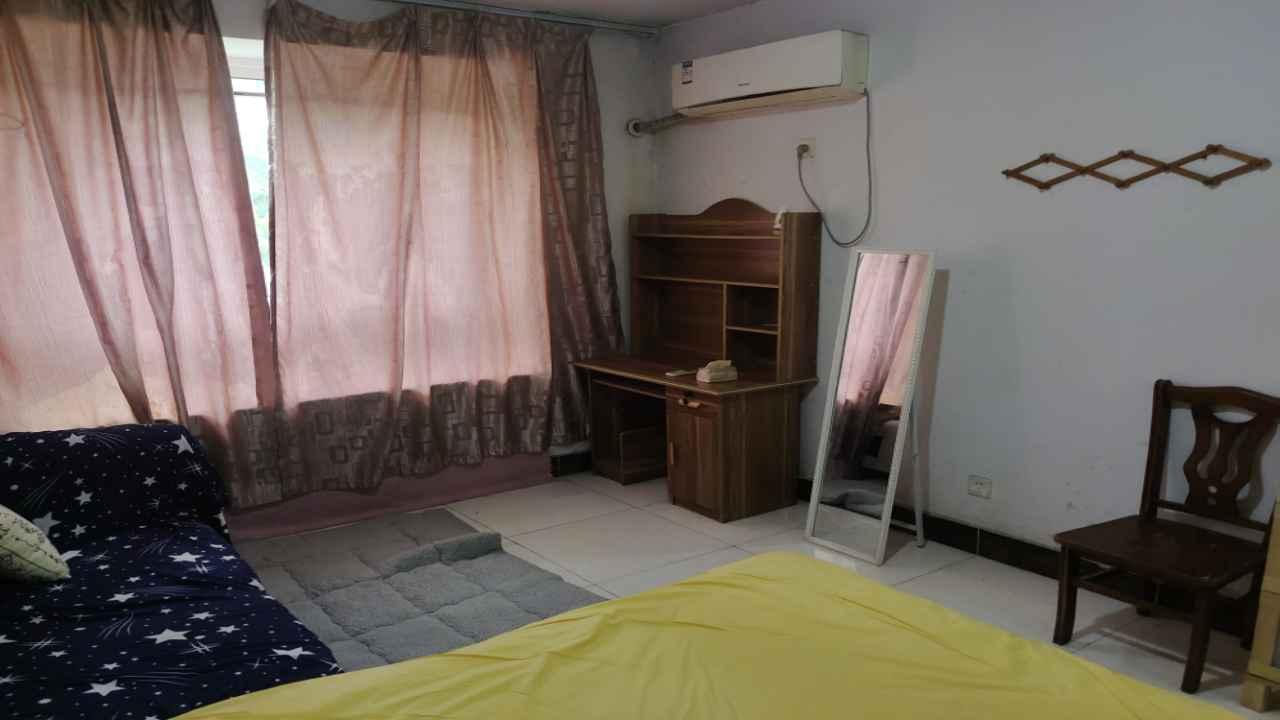 萬山城(cheng)市花園1室1廳1衛1.房