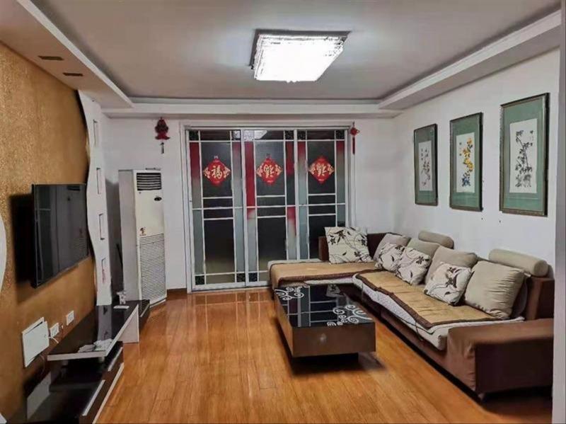 同科明珠皇冠旁温哥华精装修三室有车库车位家具齐全