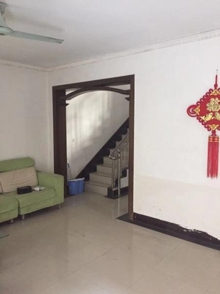 富邦萬得園4室(shi)1廳(ting)1衛 北小區萬得園附近,靠路口(kou)