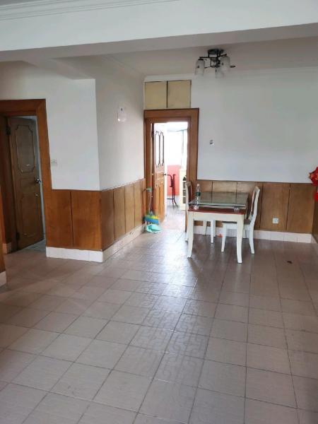 融发公寓3室1厅1卫房源介绍1、海州融发公寓 2、朝向: