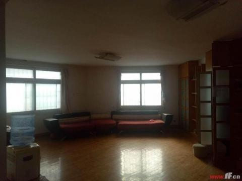 海南小区 多层三楼  单价不到八千 超低价格 拎包即住