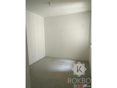 东方瑞园纯毛坯三室两厅两卫中间楼层看房有钥匙提前