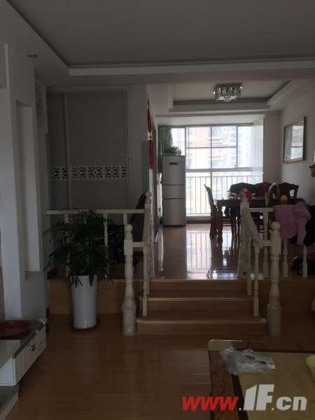 图片说明(限10个字),该房源位于久和国际新城,三室精装户型好 南北通透采光极佳  性价比高    送个