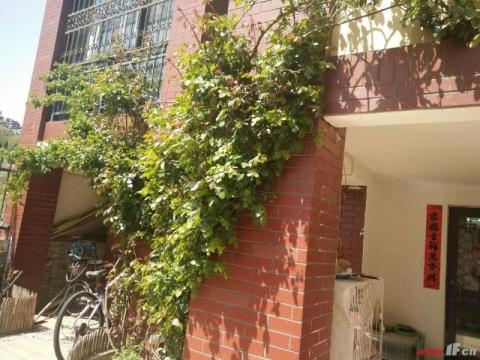 格林春天复式楼带院子楼上楼下224平精装,产证112