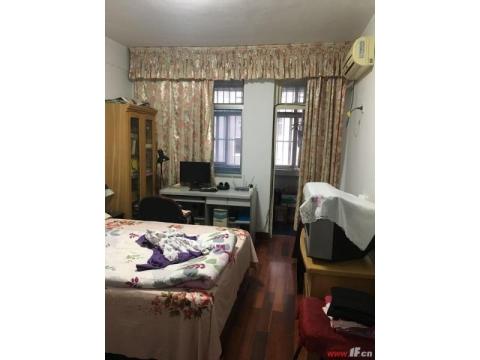 全实木地板,全屋供暖,公摊小,精装修拎包即住,
