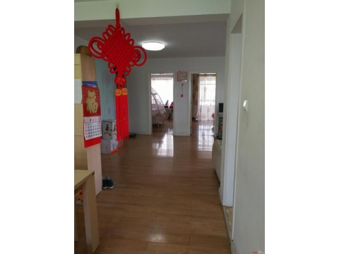 民生花苑,新海中学学区房,108.71㎡,3室2厅1卫,135万