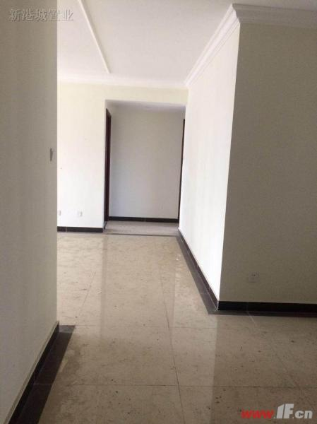 图片说明(限10个字),该房源位于恒大名都,急售恒大名都精装修户型方正非蝴蝶楼看房随时方便有