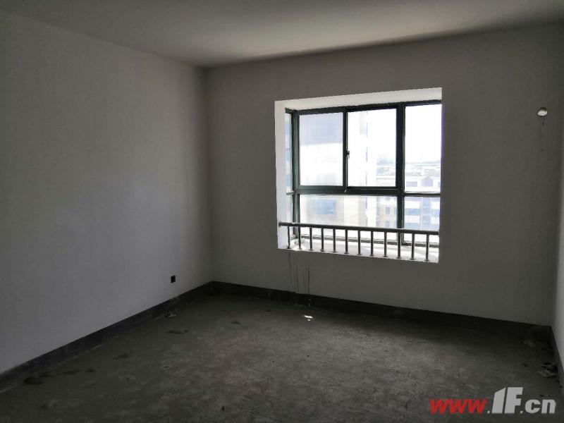 ,该房源位于景山秀水,景山秀水东户9楼 通透敞亮户型好 超低急卖 生活便利丁