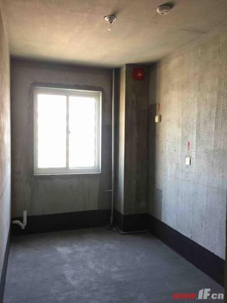 ,该房源位于秀逸苏杭,秀逸苏杭东院景观28楼 环境优美 超高性价比 通透敞亮户
