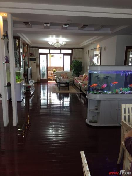 图片说明(限10个字),该房源位于苍梧小区,苍梧小区,苍梧小学,精装修,家具家电都送