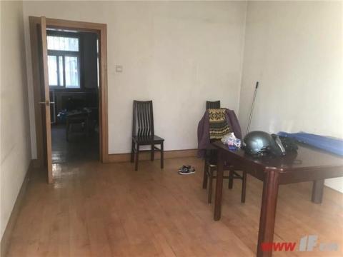 紫云公寓对面人民银行宿舍1楼带院子三室朝阳带车库本